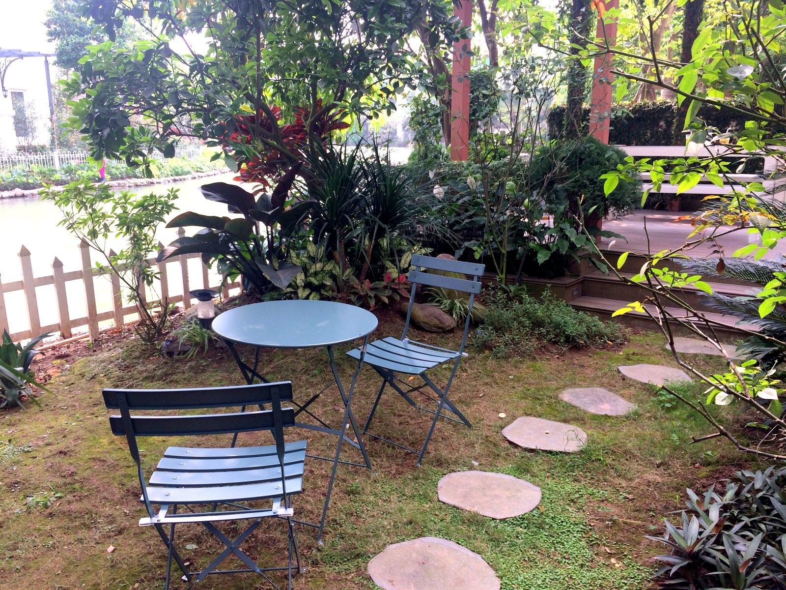 Sân vườn trước khi cải tạo và thi công